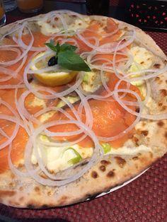 Pizza au saumon fumé et crème fraîche - Bauschelter Stuff, Lux.