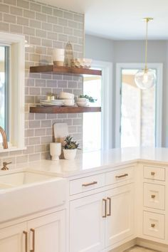 cottage style kitchen with white cabinets, subway tile and open shelves, traditional farmhouse kitchen design, Stunning Quartz Backsplash Kitchen Ideas 04 White Kitchen Cabinets, Kitchen Countertops, Kitchen Dining, Kitchen Decor, Kitchen Ideas, Kitchen Grey, Decorating Kitchen, Back Splash Kitchen, Grey Cabinets