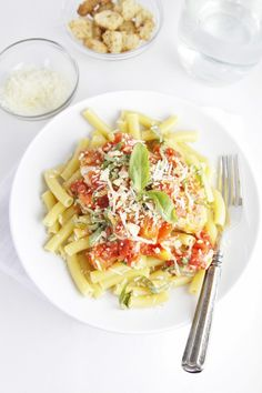 Bruschetta Chicken Skillet Pasta
