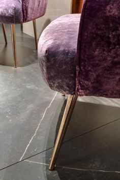 Details and glimpses of Salone del Mobile, sharing with you this sophisticated space in which Neolith Calatorao is integrated into the flooring Grey Tiles, Stool, Flooring, Interior, Furniture, Home Decor, Bath, Space, Homemade Home Decor