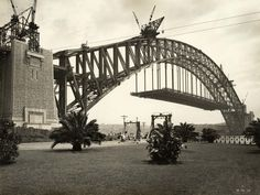 The Sydney Harbour Bridge under construction in viewed from Dawes Point Park. Over The Bridge, Arch Bridge, Historical Images, Modern History, Old City, Under Construction, Sydney Harbour Bridge, Cool Eyes, Old Photos