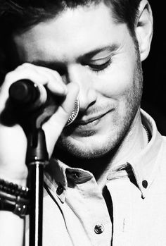 This picture of Jensen with the microphone is so beautiful) #VegasCon