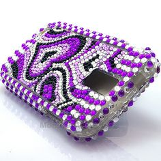 The purple hearts bling hard case snap on cover for the Samsung Galaxy S2 Hercules T-Mobile is a very stylish cover case that brings the shine out on your Galaxy S2! Very affordable and we also have a variety of different bling designs. With tiny beads attached one by one this cover case will keep your phone protected from scratches and scuffs.