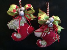 Cute finishing by Diana Sagmoe. Ruth Schmuff design mini socks.