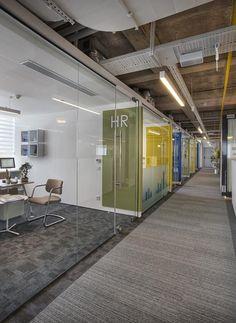 MISMO RECURSO QUE EN PROVEEDORES Kone office by UDESIGN Architecture #interior #office #architecture: