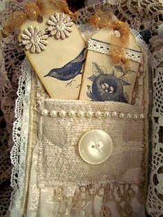 Suziqu's Threadworks: Journalling in the New Year love the pocket and tags