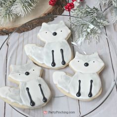Adorable Arctic Fox Cookies winter woodland wonderland critters animals cute dessert ideas for a snowy Christmas winter party cookie exchange Fox Party, Animal Party, Winter Wonderland Party, Fox Cookies, Arctic Fox, Animal Birthday, Winter Food, Kids Meals, White Fox