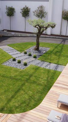 Englischer Stil Im Gartendekorieren, Ein Bonzai Baum, Kleine Deko Ideen,  Kreative Geometrische Gartengestaltungsidee