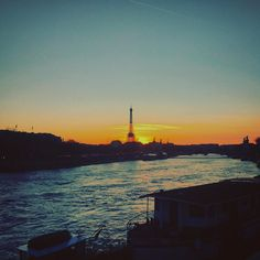 Parisian Sunset  #Paris #IgersParis #Sunset #Beautiful #Colors #Landscape #IleDeFrance #ParisJeTaime #ParisianView #Paristagram #TourEiffel #EiffelTower #Concorde #Seine #France #February2016