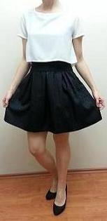 Short sleeve black white dress