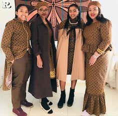Top Shweshwe and jeans, shweshwe gown and shweshwe shirts in South Africa - Reny styles All Fashion, Fashion Dresses, Ankara Dress Styles, Bridesmaid Dresses, Wedding Dresses, Elegant, Traditional Dresses, African Fashion, South Africa