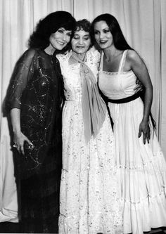 Loretta Lynn, Crystal Gayle and their Momma. (When I was little, I wanted to grow my hair as long as Crystal Gayle's.)
