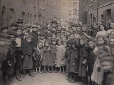 In Pearl St (now Calvin St) - Spitafields Nippers - photographs taken by Horace Warner in Spitalfields at the turn of the nineteenth and twentieth centuries