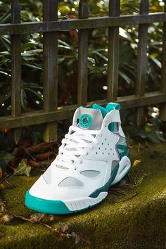 "Nike Air Tech Challenge Huarache ""Turbo Green"" (Preview)"