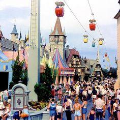 RUMOR: Skyway Gondola Transportation System Between Epcot and Disney's Hollywood Studios to be Constructed Vintage Disneyland, Disneyland Resort, Disneyland History, Disney World Parks, Disney World Resorts, Walt Disney World Orlando, Nassau, Disney Magic Kingdom, Disney Love