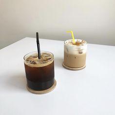 Coffee Cafe, Iced Coffee, Coffee Drinks, Coffee Shop, Aesthetic Coffee, Aesthetic Food, Korean Aesthetic, Aesthetic Grunge, Iced Americano