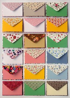 Envelopes de tecido by Zoopress studio, via Flickr   The envelopes are made from hand-cut floral print fabric. No Tutorial Decorated Envelopes, Handmade Envelopes, Paper Envelopes, Kraft Envelopes, Diy Envelope, Envelope Design, Washi Tape Cards, Pen Pal Letters, Floral Print Fabric