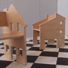 Dollhouse and chair in one