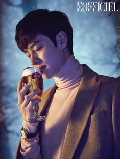 I'm not a Lee Je Hoon fan but am loving this December holiday themed pictorial he did for L'Officiel Hommes Korea. When magazines fly stars overseas for location shoots but don't fully take advantage of the shoot, I want to … Continue reading → Asian Actors, Korean Actors, Korean Dramas, Lee Je Hoon, Best Kdrama, Love K, Stella Artois, Korean Star, Jaba