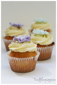 Ombre ruffled flower cupcake