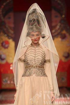 jjvalaya-indian-russian-fashion-week2015-28 width=