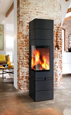 Great Photographs Pellet Stove that look like fireplaces Popular Pellet cookers are a great way to save cash whilst keeping comfy for the duration of people sluggish winter se. Home Fireplace, Living Room With Fireplace, Fireplace Design, Fireplaces, Wood Pellet Stoves, House Of Turquoise, Wood Pellets, Interior Exterior, Architecture Design