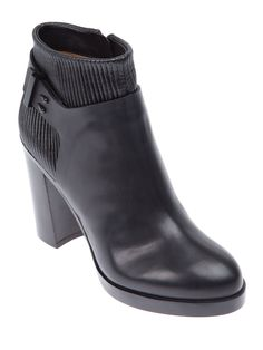 GIVENCHY - Ribbed Ankle Boot