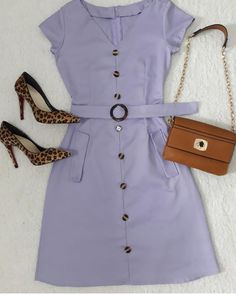 Není k dispozici žádný popis fotky. Casual Work Outfits, Work Attire, Modest Outfits, Skirt Outfits, Chic Outfits, Fashion Outfits, Simple Dresses, Cute Dresses, Beautiful Outfits
