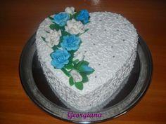 Inimă cu trandafiri. Just Cooking, Desserts, Food, Tailgate Desserts, Deserts, Essen, Postres, Meals, Dessert