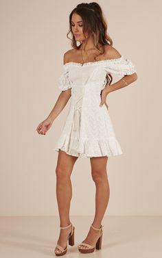/p/r/proud_moments_dress_in_white_linen_lookro.jpg