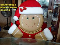 "Creaciones y Manualidades ""Chayito"": octubre 2013 Gingerbread Christmas Decor, Gingerbread Crafts, Christmas Decorations For The Home, Snowman Crafts, Christmas Snowman, Christmas And New Year, Christmas Stockings, Christmas Holidays, Christmas Crafts"