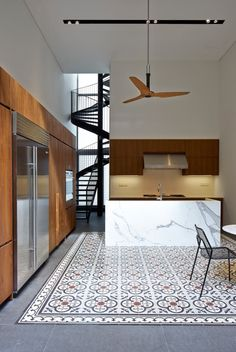 Vintage Floor tiles 17 Blair Road house by ONG&ONG soleria hidraulica Canapé Design, House Design, Design Ideas, Kitchen Interior, Kitchen Design, Apartment Kitchen, Inspired Homes, Interior Design Inspiration, Interior Architecture