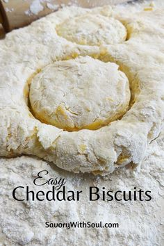 This cheddar biscuit recipe is quick & easy and uses only 6 ingredients. Fluffy, cheesy, buttery - such a delicious cheese biscuits recipe! Biscuits Au Cheddar, Cheese Biscuits, Cheddar Cheese, Buttermilk Biscuits, Easy Biscuit Recipe, Quick Bread Recipes, Donut Recipes, Sweet Recipes, Homemade Biscuits