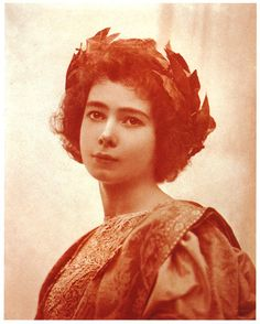 Adolph de Meyer in 1897, met with Olga Alberta (Maria Beatrice Olga Alberta Caraccilo (1871 - 1930/1931) was considered the illegitimate daughter of Albert Edward Prince of Wales (King Edward VII) and Duchess Kastelluchio.