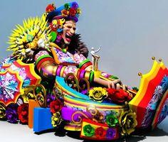 ¡¡Ya viene la #BatallaDeFlores!! 👸🏻🌺🌸💐 Estas 26 hermosas carrozas diseñadas por el equipo creativo de Carnaval de Barranquilla S.A.S. llenarán de color y tradición el Cumbiódromo de la Vía 40, con la presencia de las últimas 25 Reinas de nuestra fiesta. ¡#QuienLoViveEsQuienLoGoza! 😃🙌🏼🎉🎶