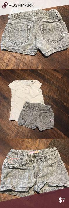 4T Roxy animal print grey shorts My favorite Roxy shorts! So cute, size 4T Roxy Bottoms Shorts