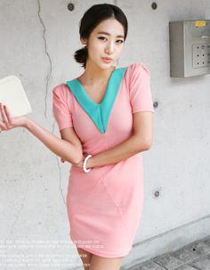 coloration v neck point collar bodycon dress  CODE: MGN309  Price: SG $59.45 (US $47.94)