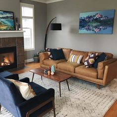 Living Pequeños, Navy Living Rooms, Accent Chairs For Living Room, Boho Living Room, Living Room Chairs, Living Room Decor, Lounge Chairs, Tan Sofa Living Room Ideas, Small Living