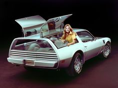 1977 Pontiac Firebird Trans Am Type K Concept My mom's 1975 malibu wagon I had to drive in high school(1984) was no where close to this cool!