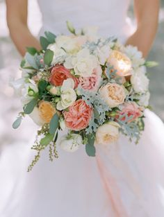 Photography : Britt Chudleigh Read More on SMP: http://www.stylemepretty.com/california-weddings/rutherford/2015/11/05/elegant-blush-wedding-at-beaulieu-gardens/
