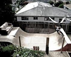 Quero isso e um guindaste com um bungee jump no quintal da minha casa!