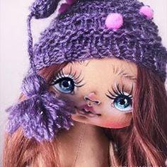 «БРОНЬ!!»Эти мордашки меня умиляют 😌🙏 А шапки так вообще 😍😅 Вот такой у меня гномик рождается . #доброеутро#утро#красота#автор#текстильнаякукла#кукла#кукларучнойработы#ручнаяработа#хендмейд#творчесиво#художник#рисую#девочка#девочкитакиедевочки#принцесса#дочка#мама#подарок#девушка#marickdoll#doll#dolls#handmade#toy#toystory#москва#санктпетербург