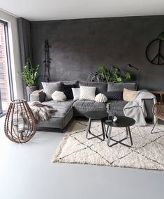 A cozy atmosphere due to various natural materials such as a woolen rug, plants etc. Informations About De meest populaire woonitems van Pin You can e. Living Room Grey, Home Living Room, Interior Design Living Room, Living Room Designs, Living Room Decor, Bedroom Decor, Living Room Modern, Living Room Inspiration, Home Decor