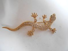 Lizard or gecko brooch, crystal brooch, figural brooch, animal brooch, vintage brooch, vintage jewelry, retro jewellery by denise5960 on Etsy https://www.etsy.com/listing/169358187/lizard-or-gecko-brooch-crystal-brooch