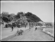 Looking west along Oriental Parade, Wellington, circa with Oriental Terrace on the left. Old Pictures, Old Photos, The Hutt, Kiwiana, British Isles, What Is Like, New Zealand, Terrace, Past