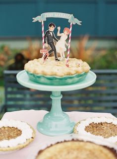 Try a #wedding #pie at your wedding as a clever alternative to a cake. You can even use a funny #caketopper. Photo on Society Bride.