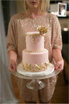golden cake decor