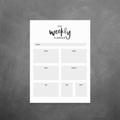 The Weekly Planner | Organize your week with a fun, minimalistic planner! Easily print out the planner and schedule your week.