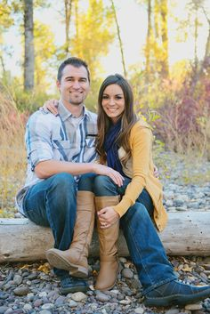 RaeTay Photography>>Family picture outfit ideas, mustard yellow and blue outfits, creative family pictures