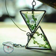 """Glass earrings / Серьги ручной работы. Ярмарка Мастеров - ручная работа. Купить Длинные треугольные серьги с натуральным мхом """"Душа морской пучины"""". Handmade."""
